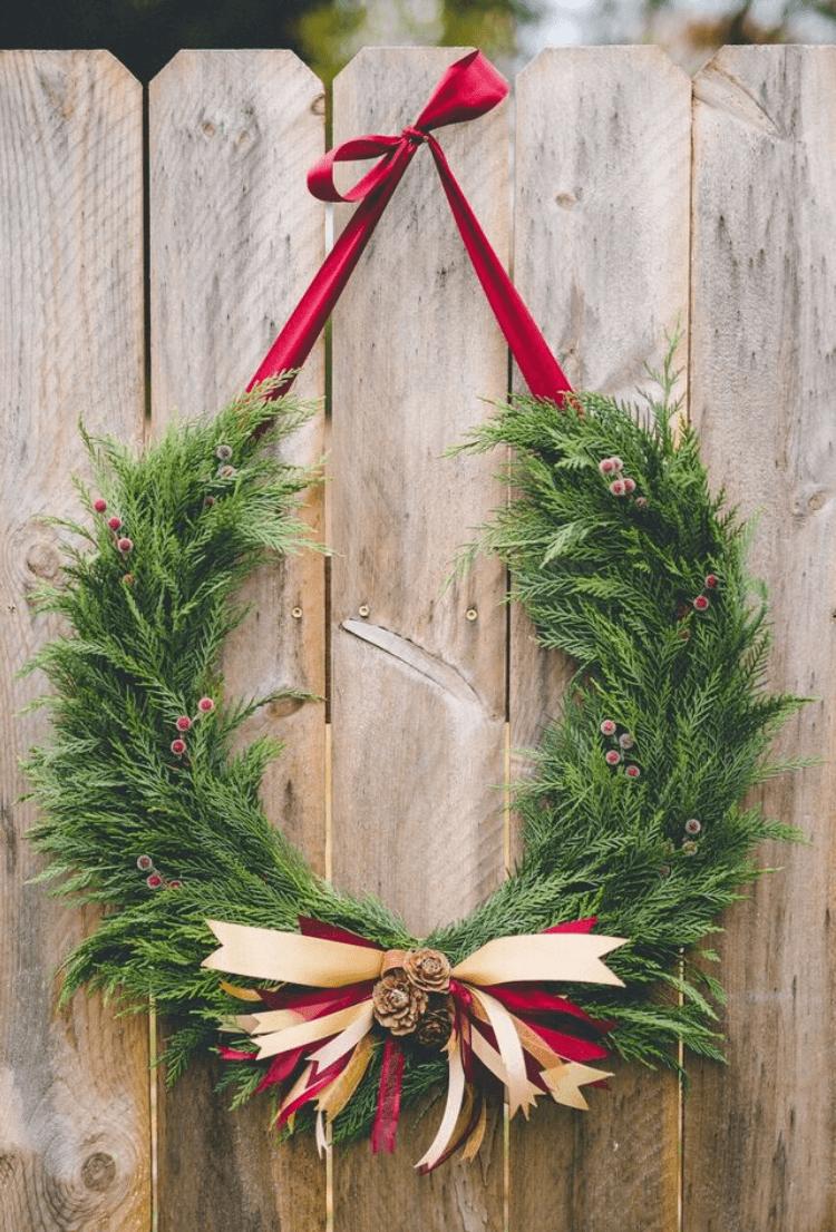 horseshoe wreath - Horseshoe Christmas Wreath